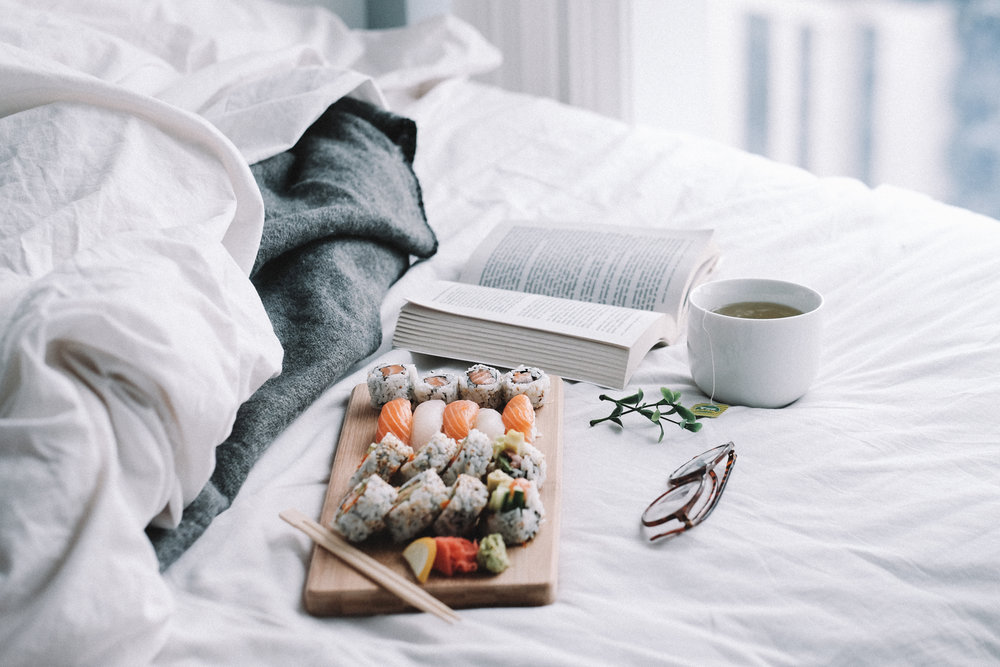 Sushi in bed by a social media photographer