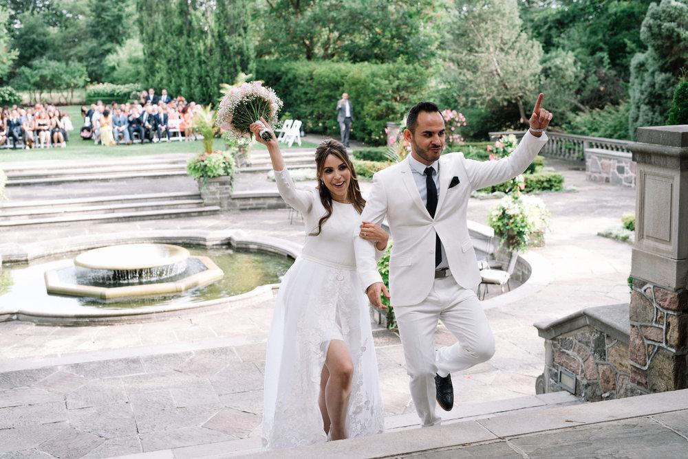 All white wedding at Graydon Hall Manor in Toronto