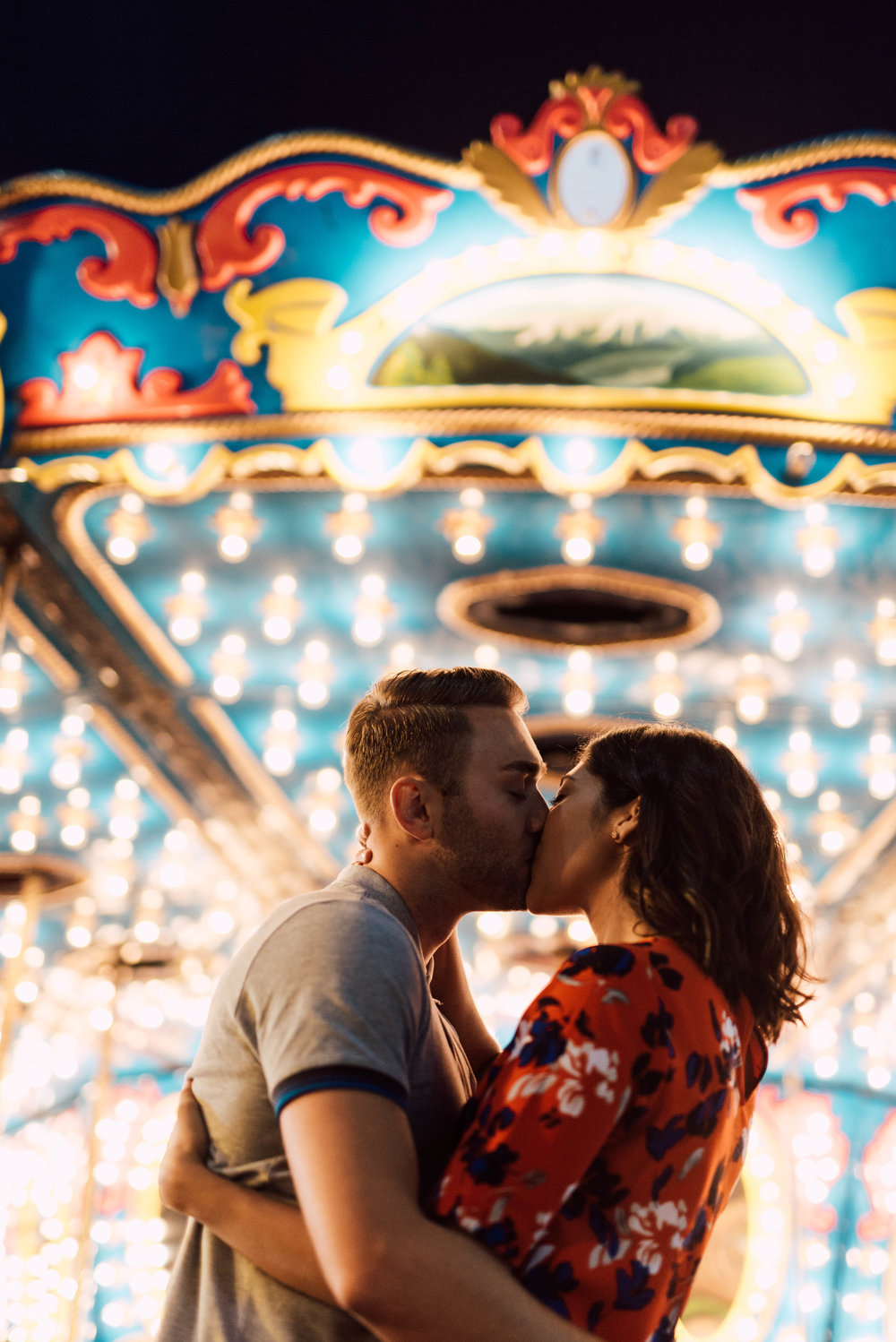 Ferris wheel kiss CNE engagement photography in toronto