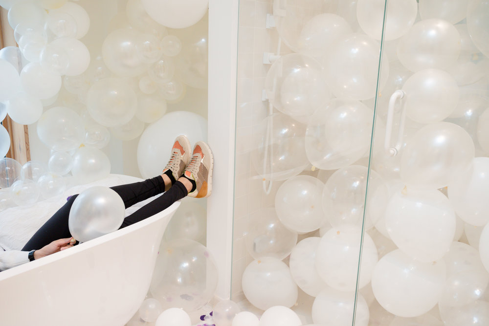 Bathtub balloons Special Event Toronto