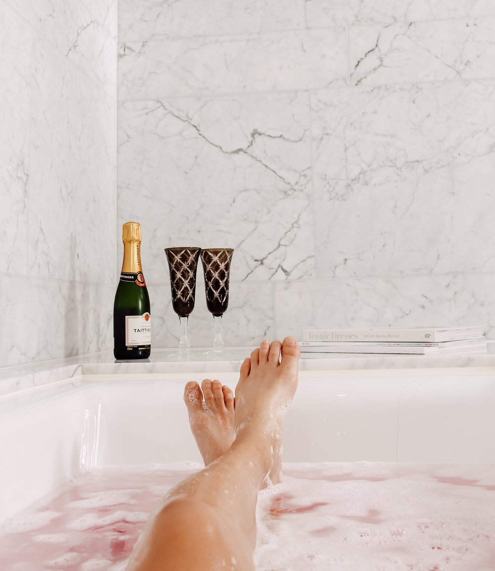 Shangri-la toronto Pink bubble bath and Champagne and special event