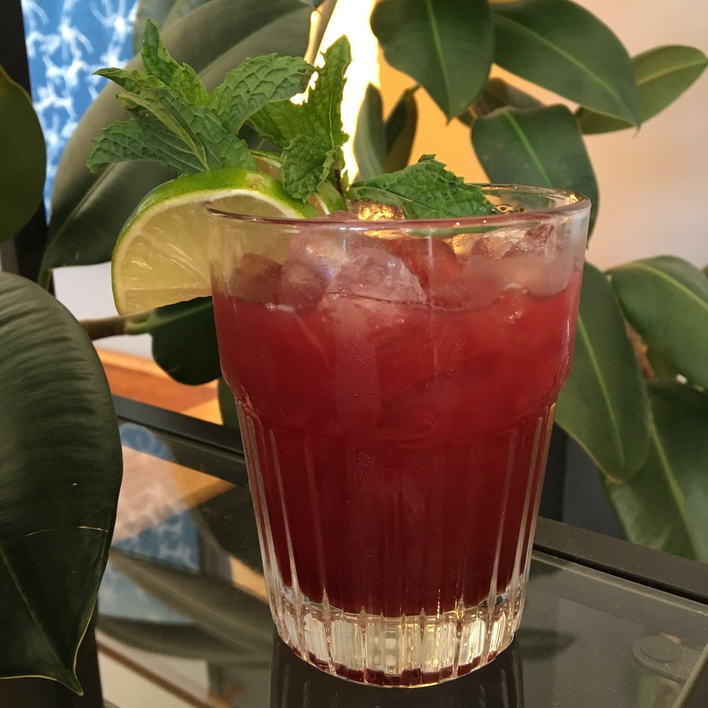 Lemon Hibiscus    1   ½ oz  Union Gin  2 oz  Tequila  1   ½ oz  Lime Juice  1 oz    Pearl Soda Co.         Lemon Hibiscus Tea Syrup    Blend with ice Garnish with salted rim and lime wedge