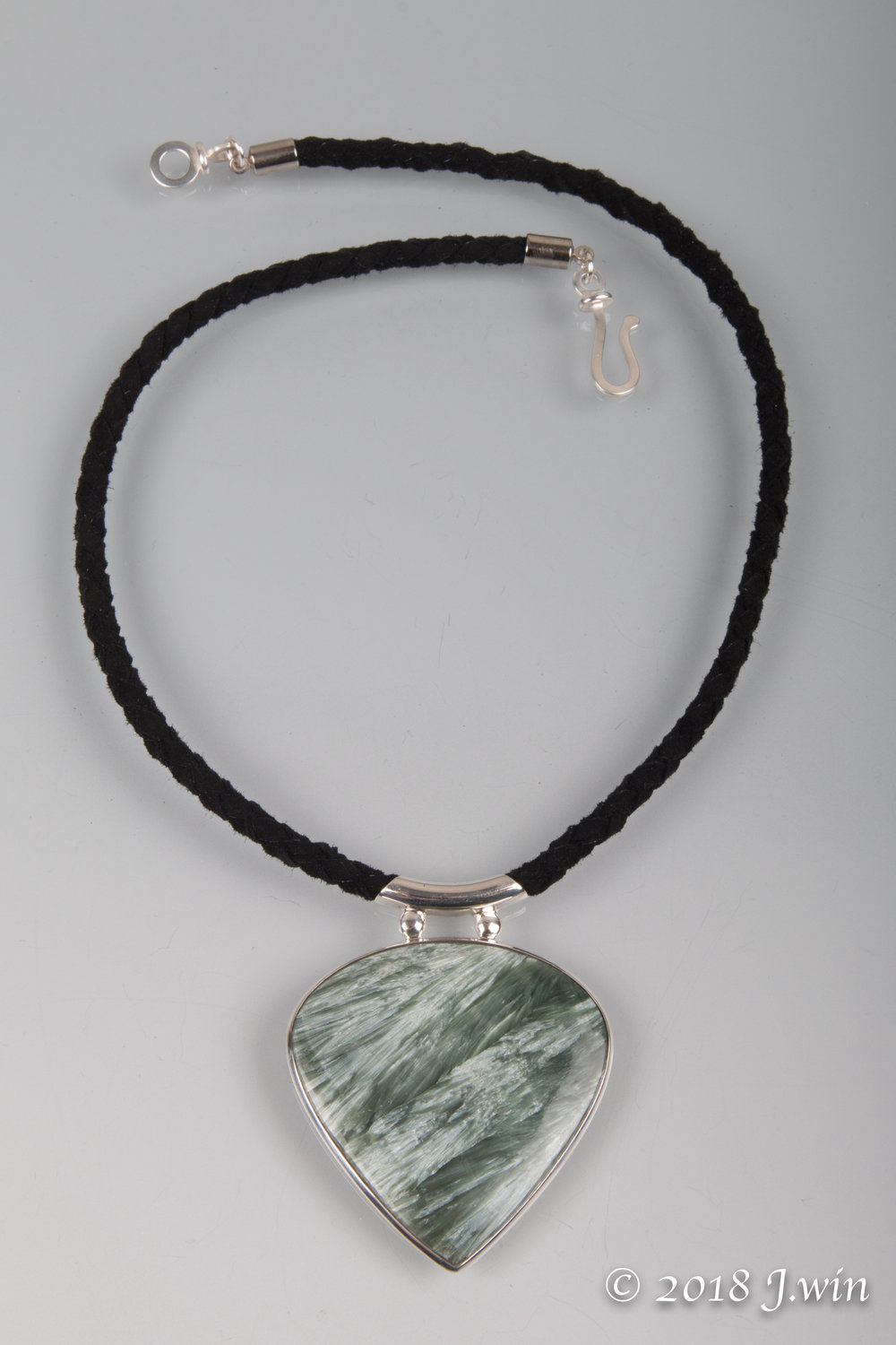 Green kyanite pendant necklace