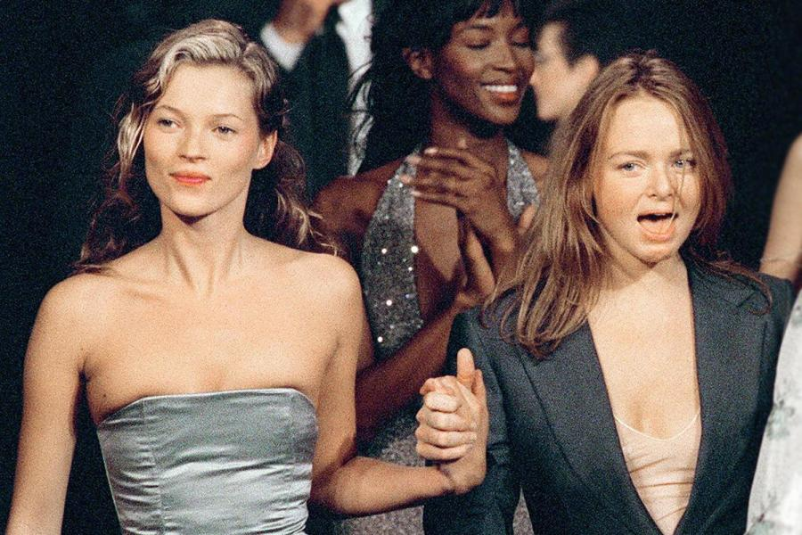 Kate Moss & Stella McCartney. Central St. Martins college graduate fashion show in 1995. (credit: THOMAS COEX/AFP/Getty Images)