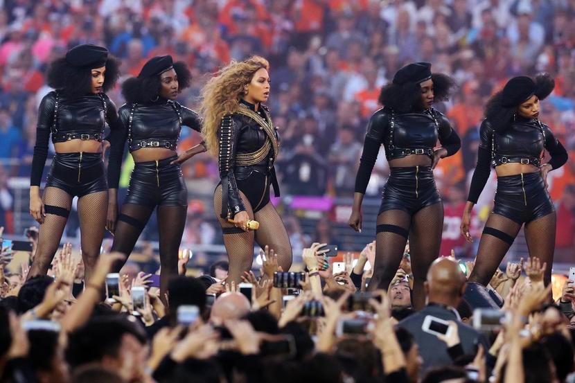 Beyonce´  performs during halftime in Super Bowl 50 at Levi's Stadium, Feb. 7, 2016.  [Photo by Matthew Emmons/USA TODAY/Reuters]