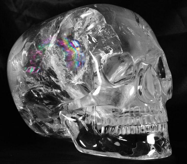 675e8f30c1227992b3612ed91b746781--quartz-rock-crystal-skull.jpg