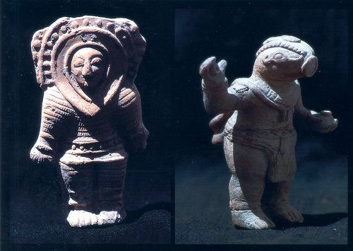 Statues-and-artifacts-ancient-aliens.jpg