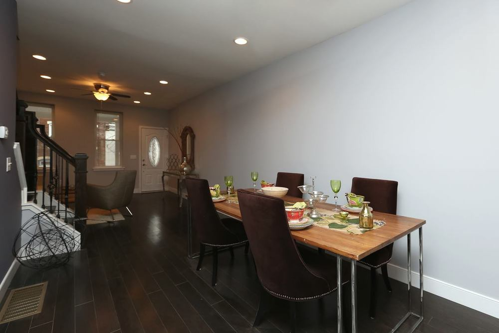3523 Sunnyside - dining
