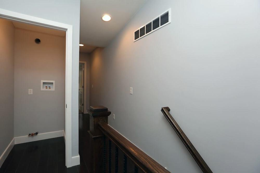 3523 Sunnyside - hallway