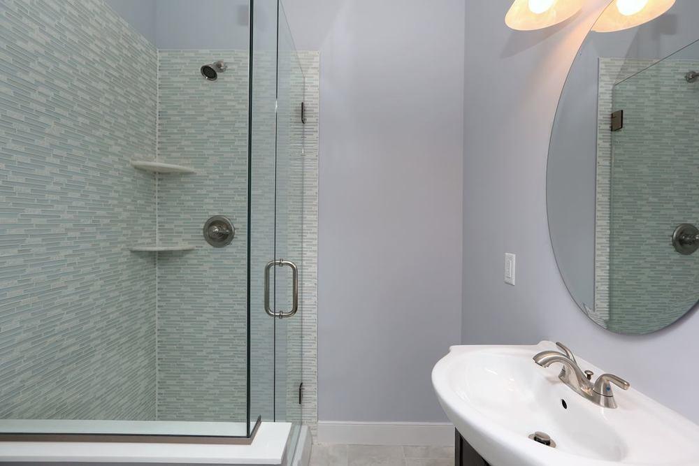 3523 Sunnyside - master bath