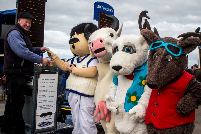 Mascots At The Races