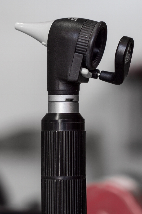 otoscope-1461840_1920.jpg