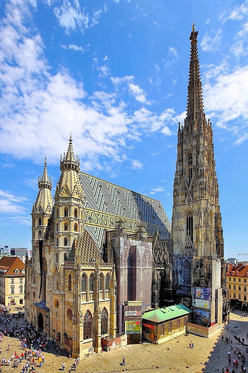 St. Stephen's Cathedral in Vienna.JPG
