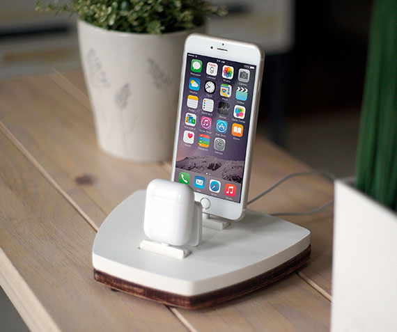 DskStnd ONE   Charges iPhone 5 & Up including XS, XS Max & XR and an AirPods! White and Midnight versions are within the listing.