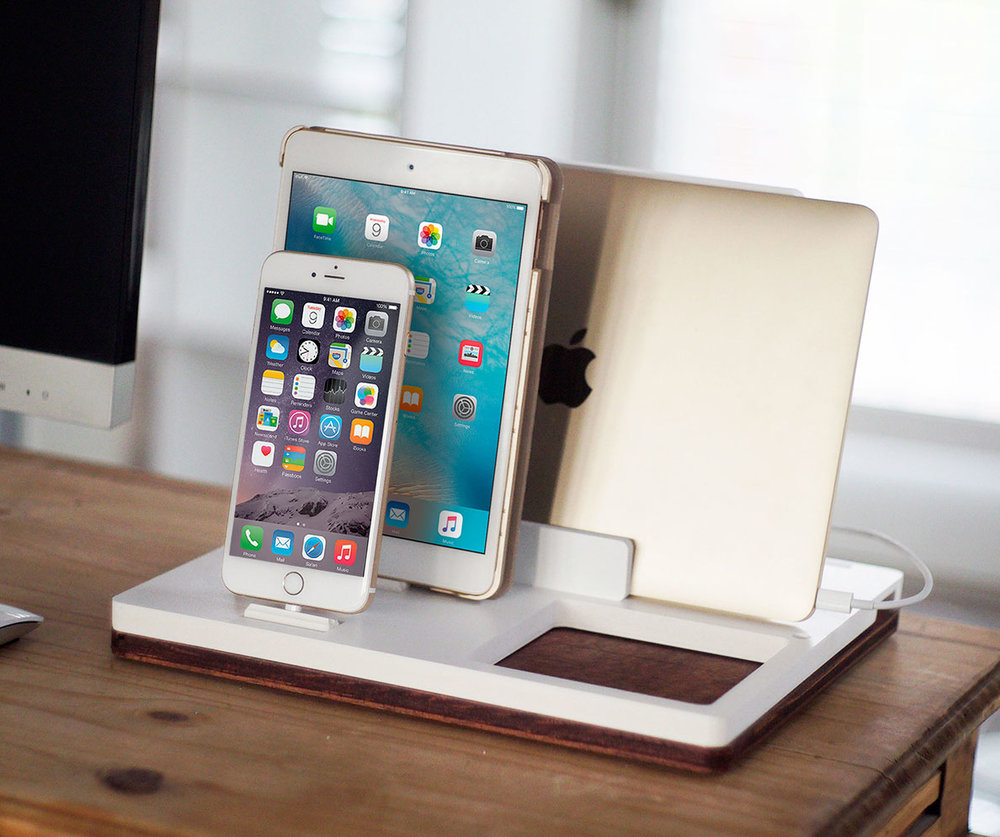 DskStnd DUO 2   Charges an iPhone 5 & Up including 8, X, XS, XS Max & XR, Mac/PC Holder & charges an iPad with a tray area for keys, wallet, etc! White and Midnight versions are within the listing.