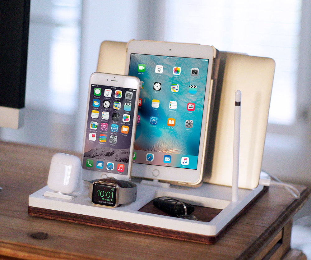 DskStnd QUAD   Charges an iPhone 5 & Up including 8, X, XS, XS Max & XR, Apple Watch, AirPods & an iPad with an Apple Pencil holder and tray area for keys, wallet, etc! White and Midnight versions are within the listing.