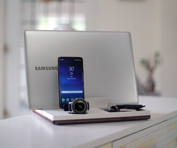 DskStnd DUO   Charges an android phone via Micro USB or USB-C, Samsung Galaxy Watch and some FitBit Watches, with a PC Laptop Holder and a tray area for wallet, keys, etc! White and Midnight versions are within the listing.