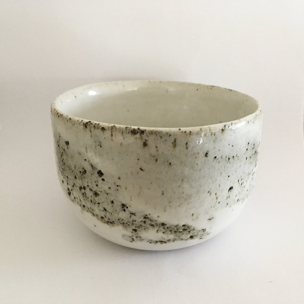 "Chawan ""Layers of Soil"" in white   Stoneware bowl with mixed local unwashed and unsieved clay from Vimoutiers, FR with white zirconium glaze.   Ø 10cm - €25"