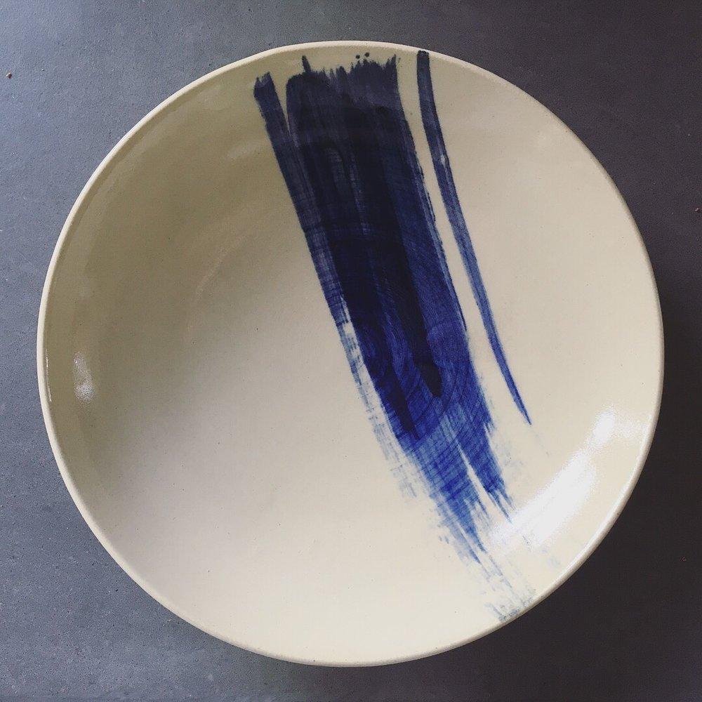 Pasta plate   Stoneware plate with cobalt brushstroke.  Ø 22cm - €25 (available for custom order)
