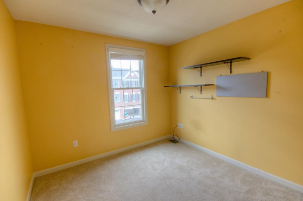 15 Bedroom 3.jpg