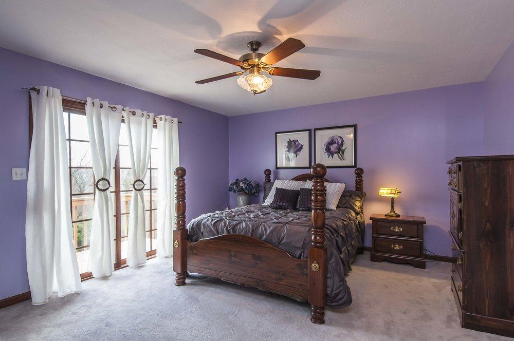 4937 Oakhurst Avenue - Listing Photos-29.jpg