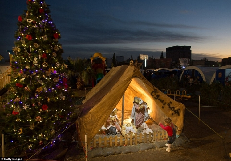 Christmas in a refugee camp in Erbil, 2014 (Source)