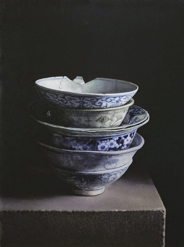 Still life paintings of stacks of Chinese porcelain by Erkin ( source )