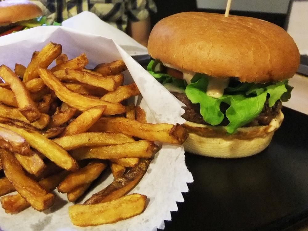 Street Burgers 2.jpg