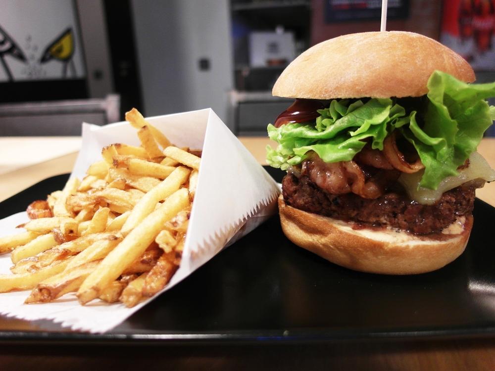 Street Burgers 3.jpg