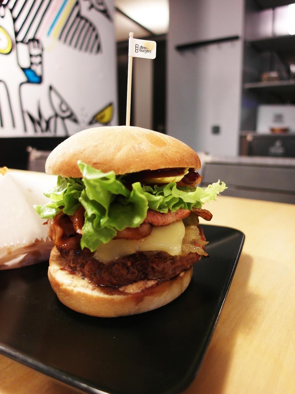 Street Burgers 4.jpg