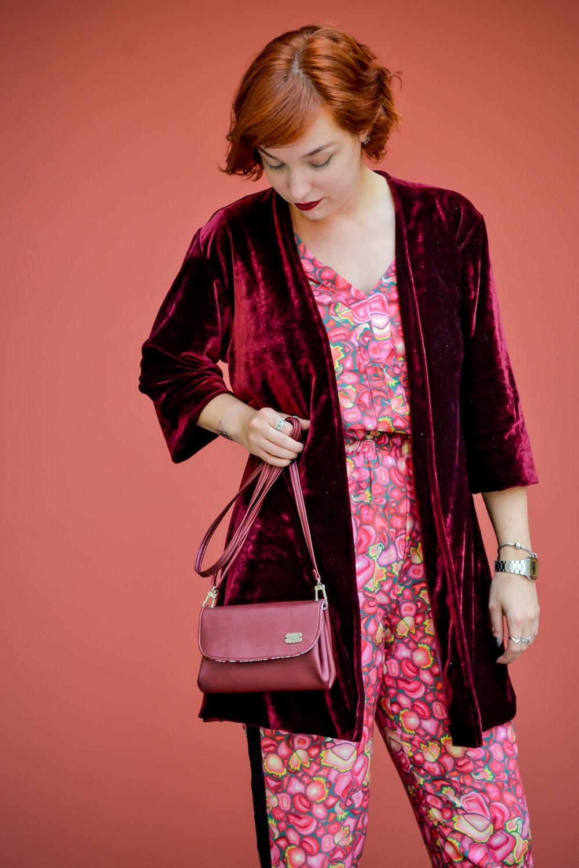 Vinhão + rosa, as famosas cores primas, semelhantes.