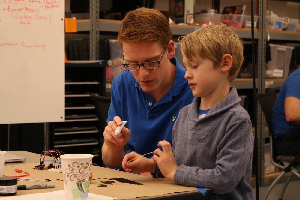 Charlie learns how to create circuits by drawing them using conductive ink.