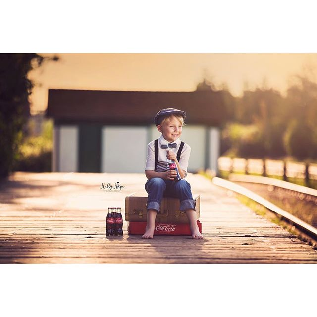 This guy's school year is wrapping up and he's so looking forward to some lazy summer days. #MyLove 👶❤️ Photography @kellykopephotography 9 months gestation, 6 years of motherhood and styling 🤣 @aislehair