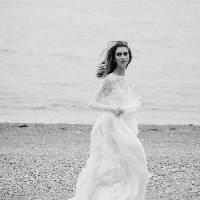 Love this shoot so much. Photography by @brit_gill and @katwillson ❤️ @katieelwood @line_artistry @ritualsoflovebridal @manuelawyszynski
