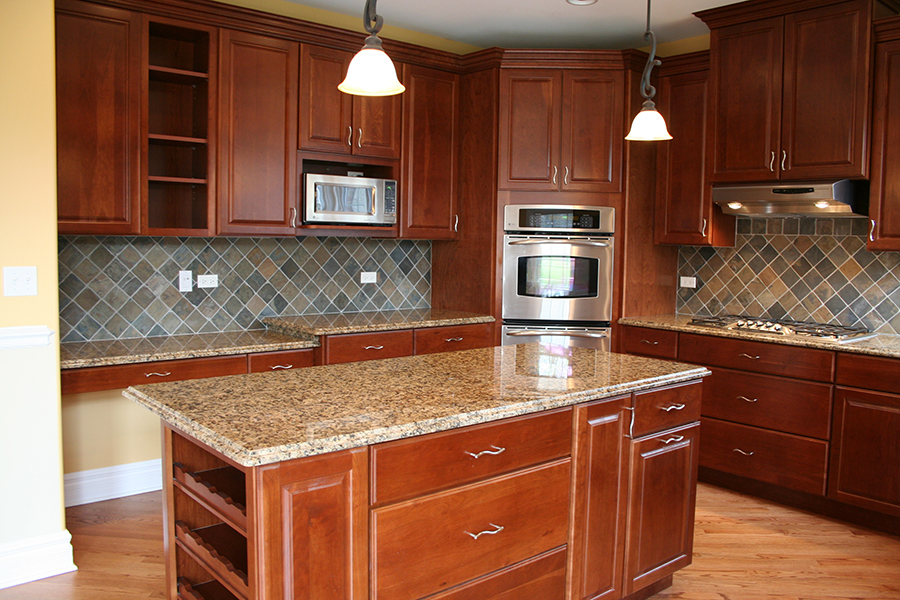 tan top stone backsplash.jpg