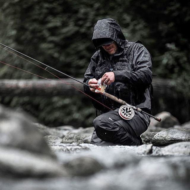 Nothing, nothing stops a fisherman/fisherwoman from the love of the hunt. Thanks to @rapala.army photo of angler @j_greentree doing what they do naturally....just like it's always been for all time.#astorytotell #bestnatureshot #bellashots #coolfish #coolfishes #coolfishwines #manonamission #delicious #destinationearth #earthboundshots #fpog #explorehisearth #fingerprintofgod #great_captures_nature #heart_imprint #huffpostgram #ig_captures #ig_shutterbugs #keepitwild #liveauthentic #livefolk #fishing #flyfishing #flyfish #ontheriver #fisherman #fishermen #flyfisherman #realmen #realmenfish