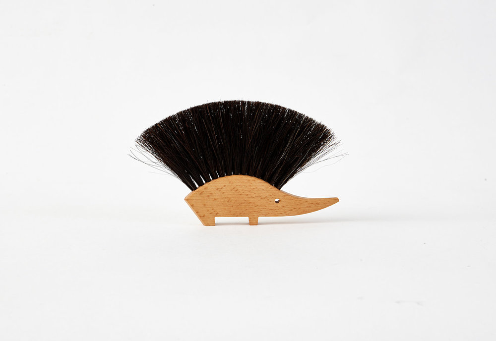 Hedgehog table brush -