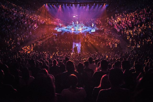 27 years ago a man had a plan for people to gather in his apartment to worship the living God together. Fast forward to the first Breakaway of this semester: a basketball arena was was filled with students hearing God's Word and singing His praise. How awesome!! His vision for @breakaway_ministries goes far beyond the plans of man.