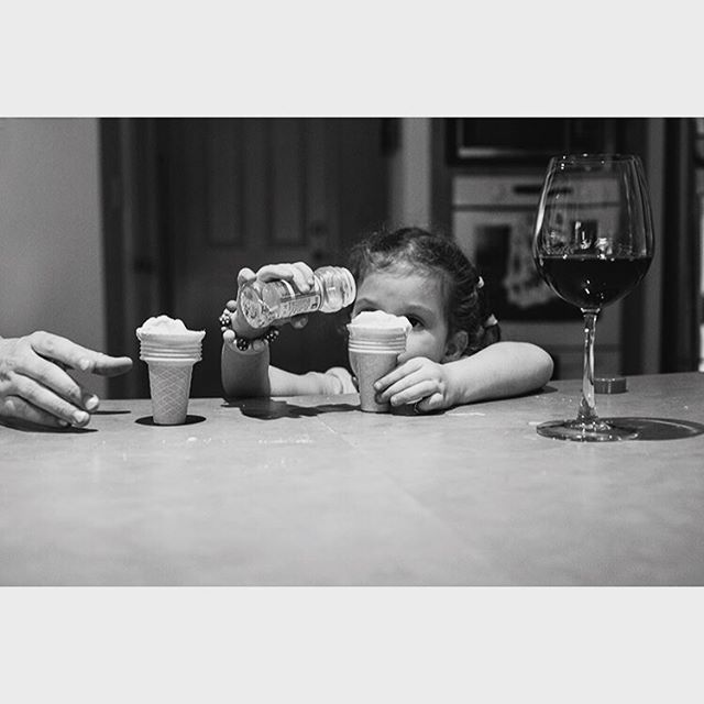 When life is sweet for mummy and kids.  #documentaryfamilyphotographer #familyphotography #perthfamilyphotographer #perthdocumentaryfamilyphotographer #bringwine #familymoments #adayinthelifephotography