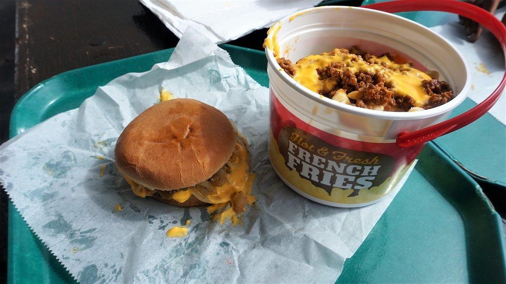 Burgers & Chili Fries