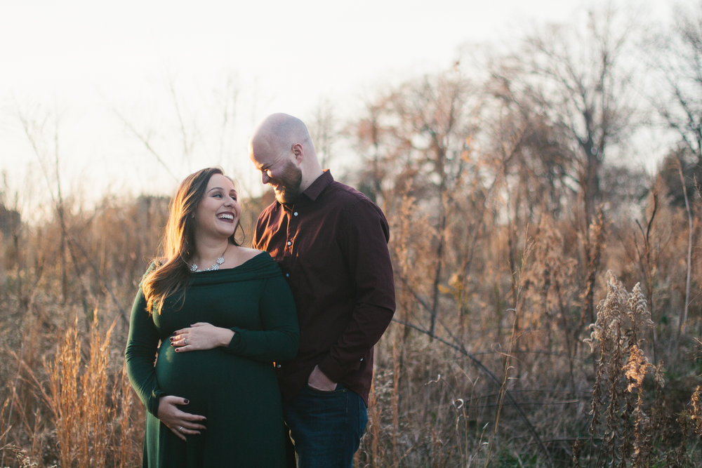 Charlotte-Maternity-Photography-Mother-in-love-field-fall.jpg