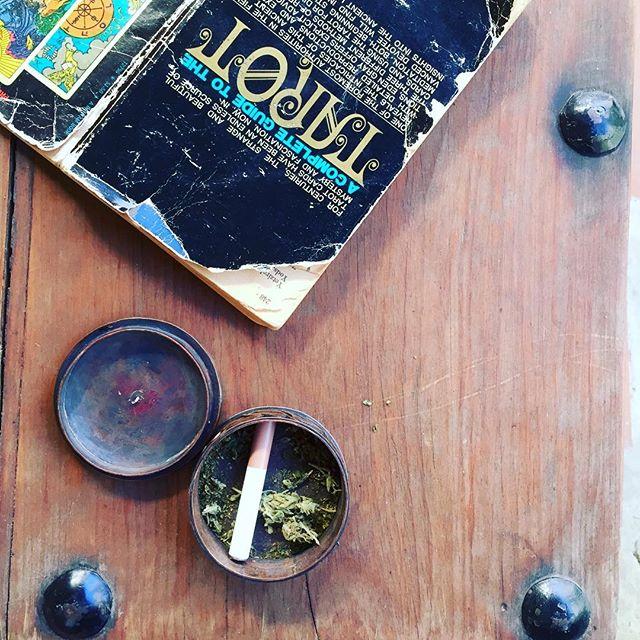 tarot /acupuncture / local herb formulas. will be @ jaibalito market tomorrow #jaibalito  #lakeatitlan #herbalism  #tarot #acupuncture #promisenottosmokebeforeneedling #butafter😉