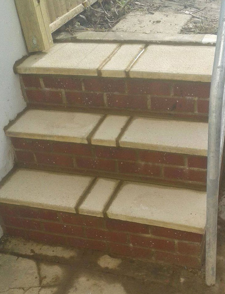 brickrepointingstairsfront.jpg