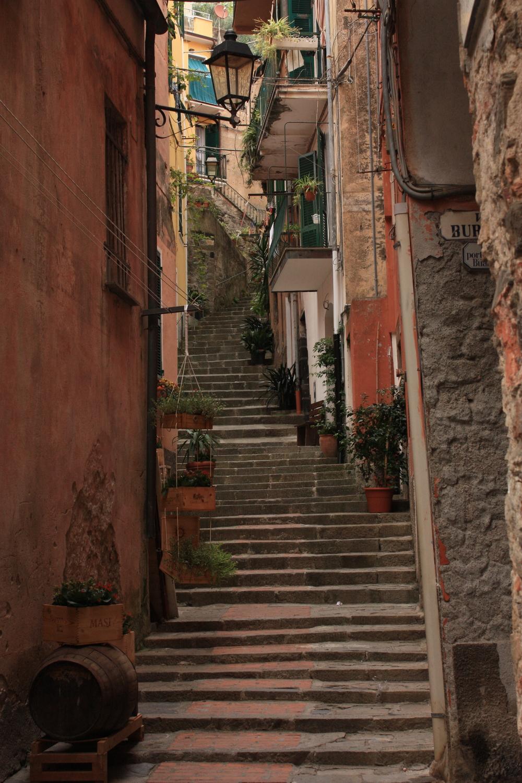 italian stairs.JPG
