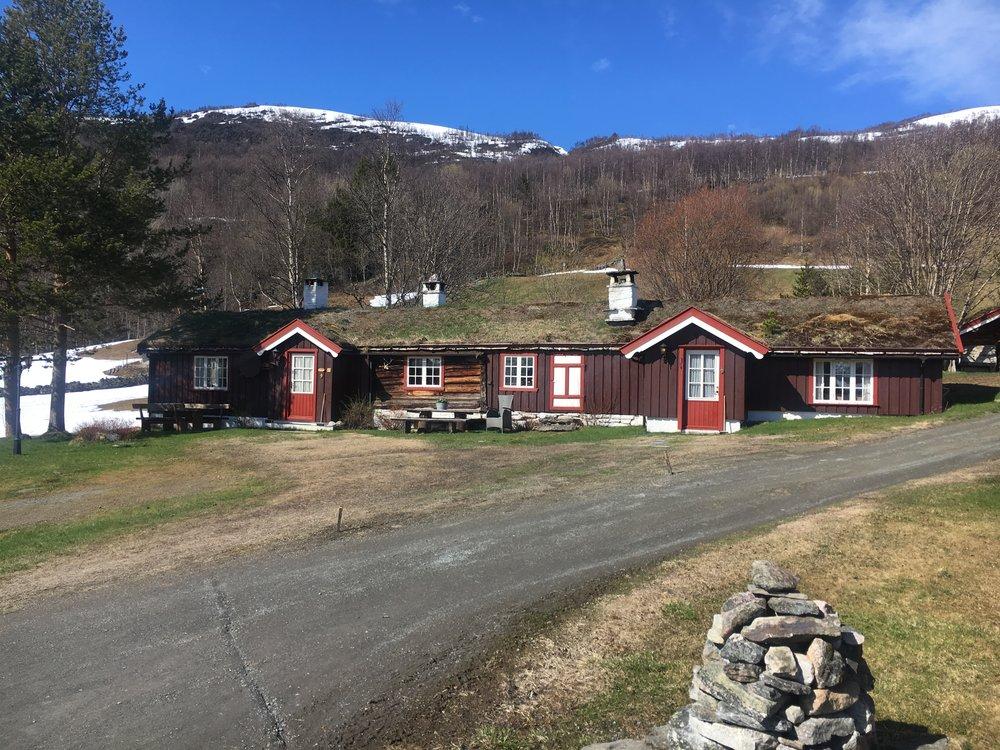 Her i  Eldhusstoggo  sov jeg første natta på Bortistu. Utsikten fra stuevinduet kan gi hvem som helst en søvnløs natt!
