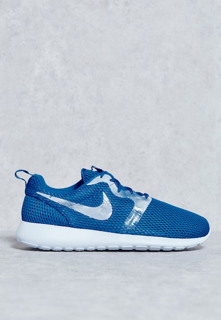 NIKE//Roshe One Hyp BR GPX//599 AED/SAR
