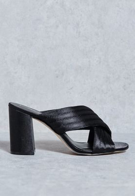 NEW LOOK//Tell - Pu Pleatd Flrd Hl Mule//179 AED/SAR