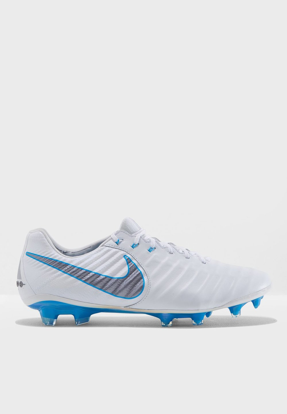 Nike  football boots  975aed/sar