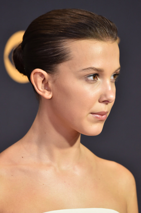 Millie-Bobby-Brown-Emmy-Awards-2017-Red-Carpet-Calvin-Klein-By-Appointment-Tom-Lorenzo-Site-4.jpg