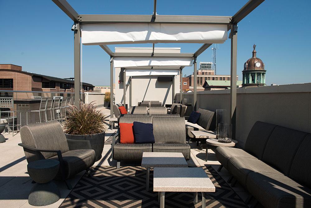 bistro-barberet-rooftop-coxevans.jpg